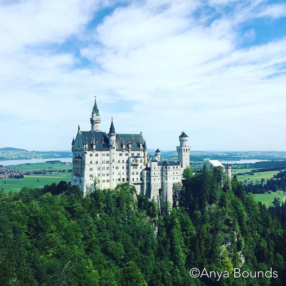 Нойшванштайн замок в Германии, by Anya Bounds