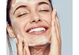 Lo step fondamentale di una Beauty routine corretta: La detersione