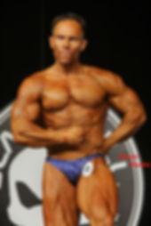 Mário Mattiacci pose fisiculturismo bodybuilder classico