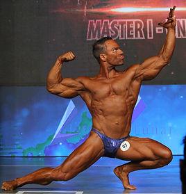 Poses clássicas fisiculturismo bodybuilder Mário Mattiacci
