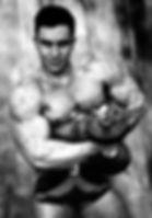 Bodybuilder Posing Mário Mattiacci
