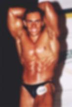 Pose de abdominais fisiculturismo Mário Mattiacci