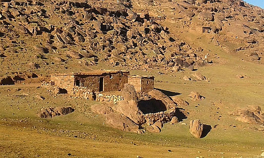 Tour with us in a 4x4 and visit secluded Berber Villages and Mountain Valleys