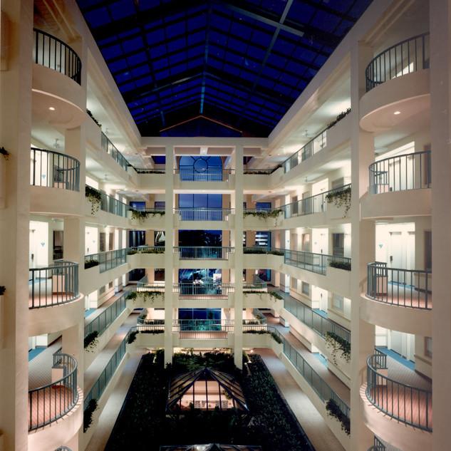 Radisson Suites Hotel