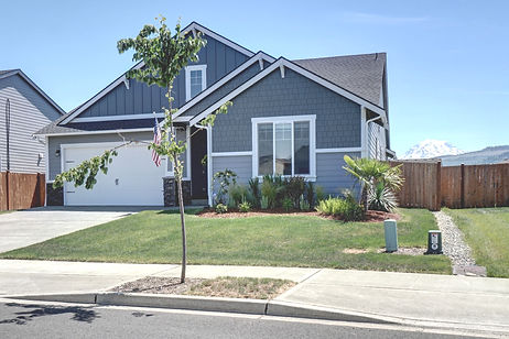 032_Front of Home.jpg