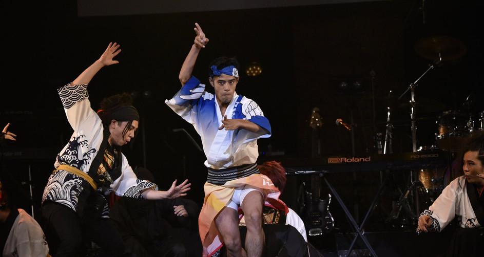 阿波踊りダンサー・フェイキー