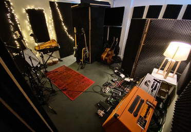 Studio Room Wide Angle