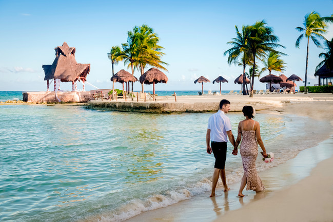 Wedding photoshoot at Dreams Puerto Aventuras by Santamaria Team