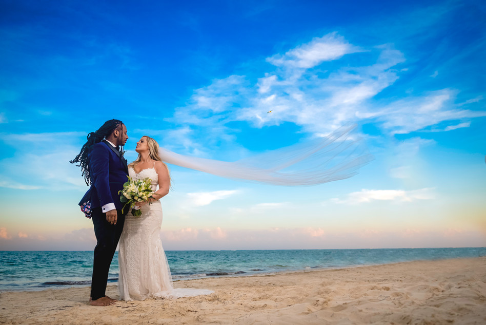 Wedding Photoshoot at Dreams Riviera Cancun by Santamaria Team