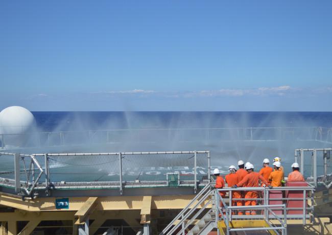 offshore crew1.JPG