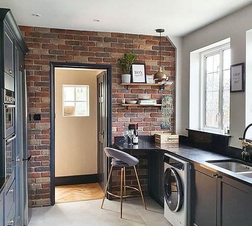 L&L Camden Multi Brick slip kitchen feat