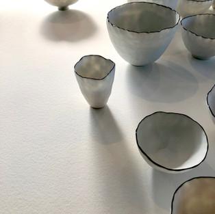 Porcelain pinch pots porcelain, unglazed, black rim 2017