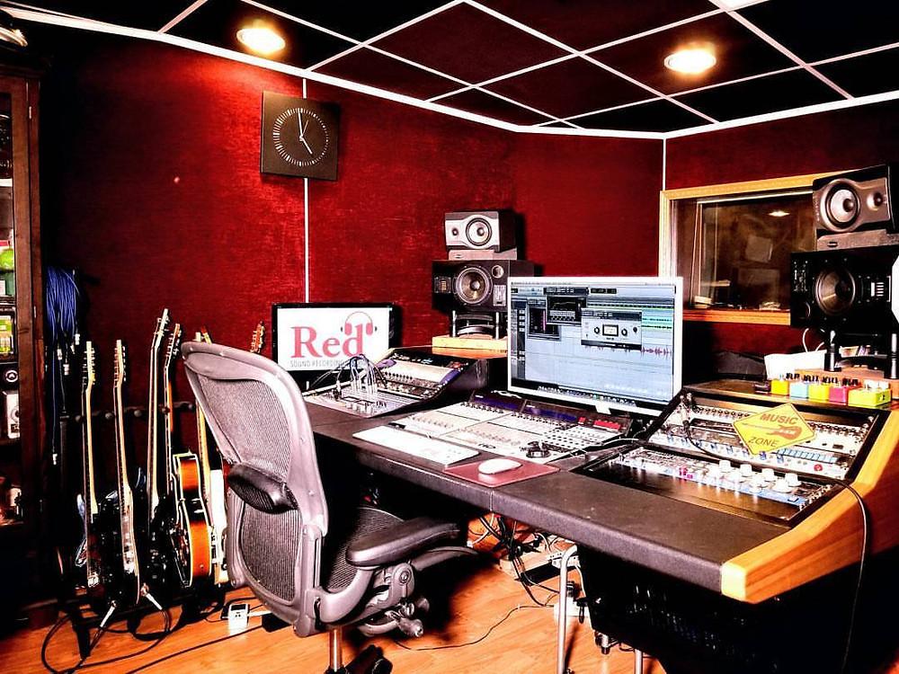 Hong Kong recording Studio,香港錄音室,結他班,結他課程,學結他,Red sound, kit tang