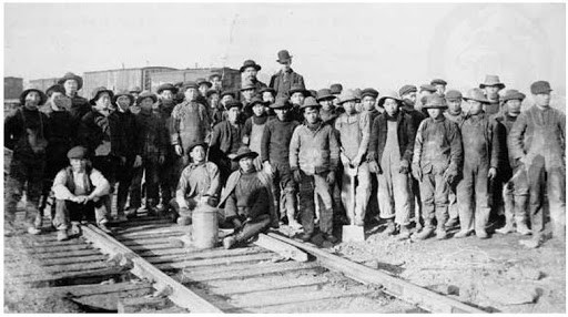 Chinese immigrants building Transcontinental Railroad