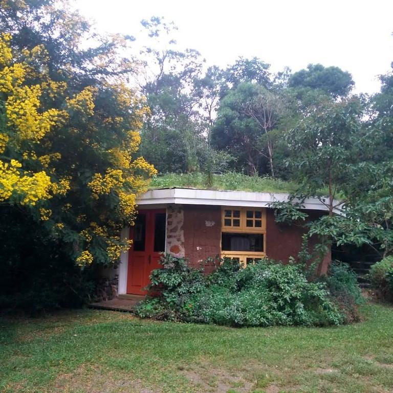 Bioconstruindo – A casa ecológica contemporânea