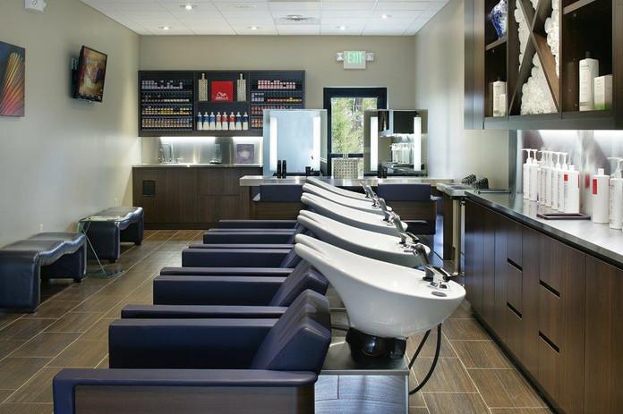 Uomo Shampoo Area_7982.jpg