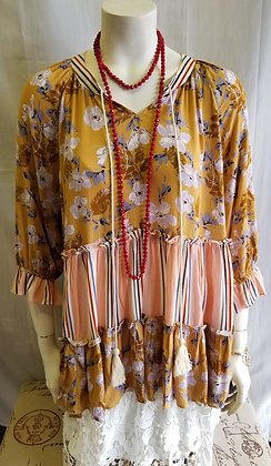 Super comfy Gold floral stripe top with 3/4 sleeves