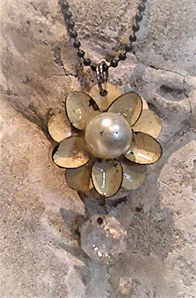 FLOWER with pearl and chandelier piece