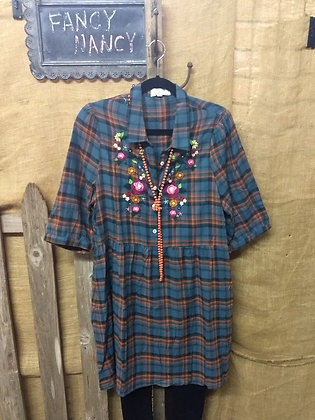 Blue plaid floral embroider tunic 3/4 Sleeve
