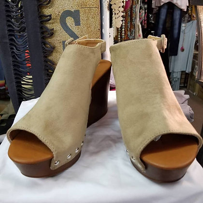 Taupe wedge shoes