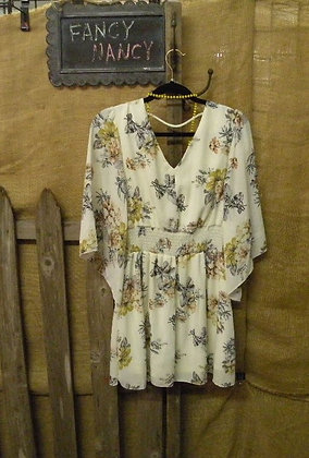 Spring floral dress with 3/4 bell sle