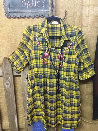 Gold plaid floral embroider tunic  3/4 Sleeve