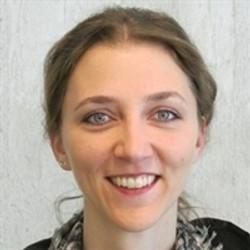Dr. Sabrina Simon