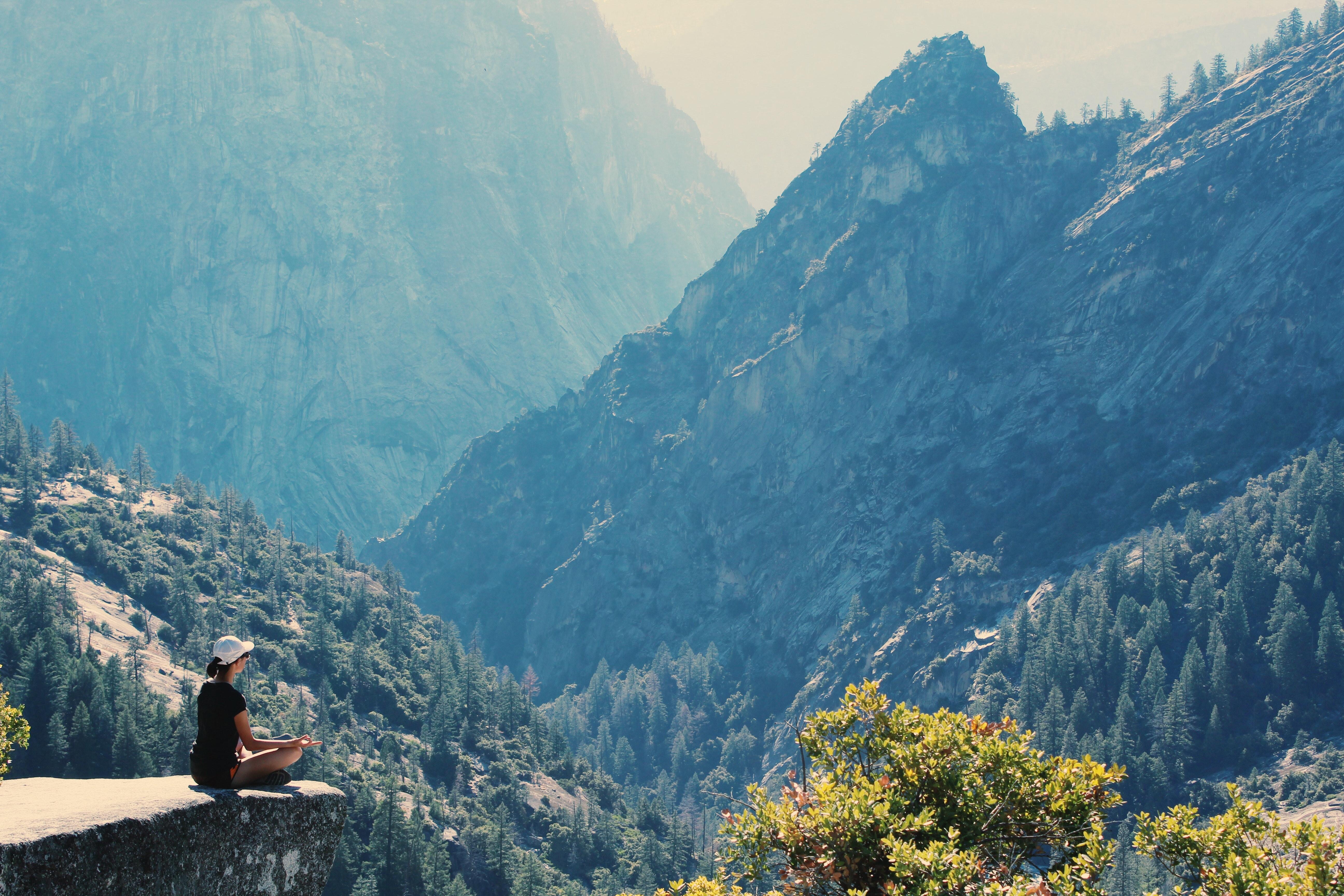 adventure-cliff-environment-906097