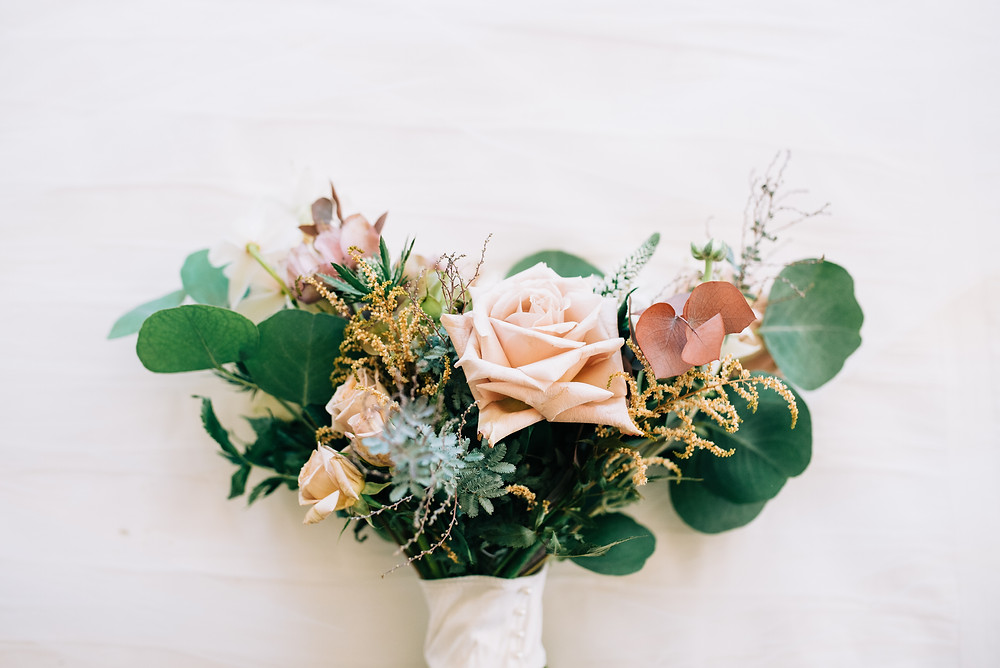 dusty pink wedding bouquet at serendipity gardens