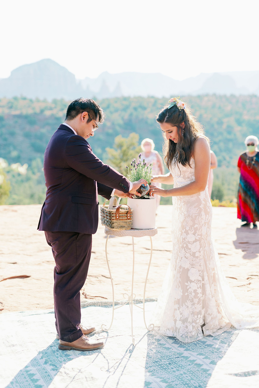 Sedona wedding ceremony at cathedral rock