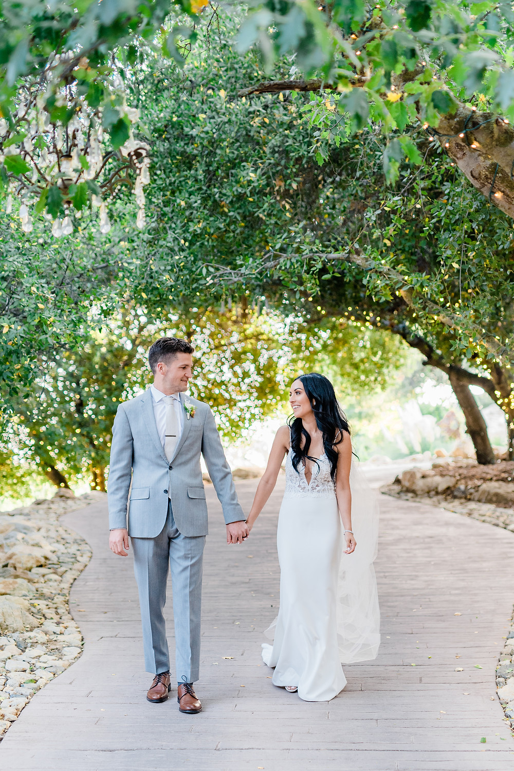Stunning garden wedding at Serendipity in Oak Glen, elegant bride and groom with neutral​ color palette