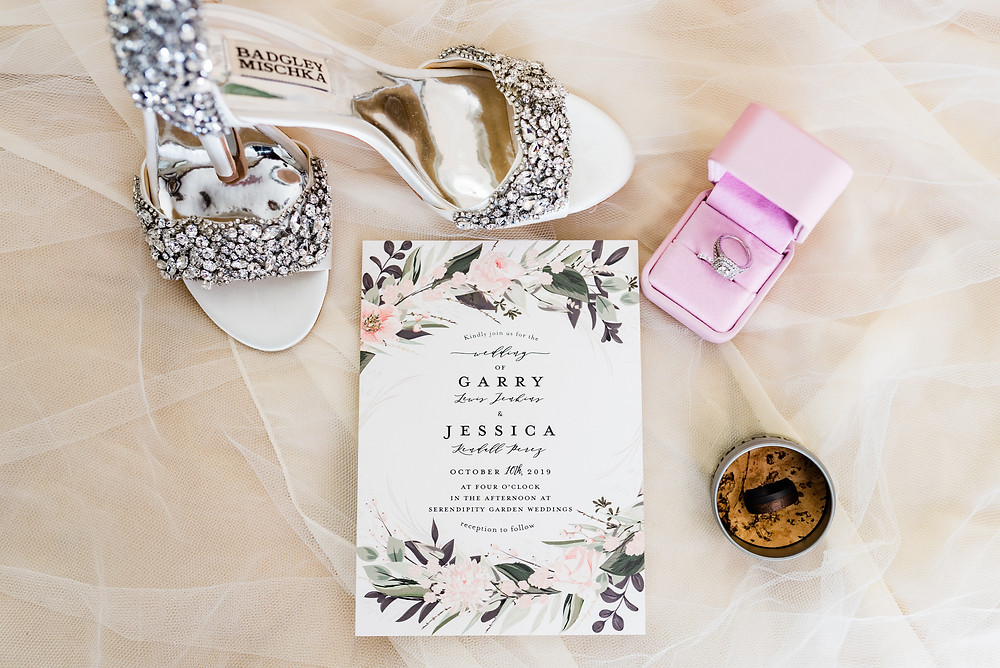 badgley mischka wedding shoes and wedding details
