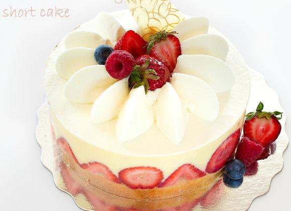 French Strawberry ShortCake / WholeCake