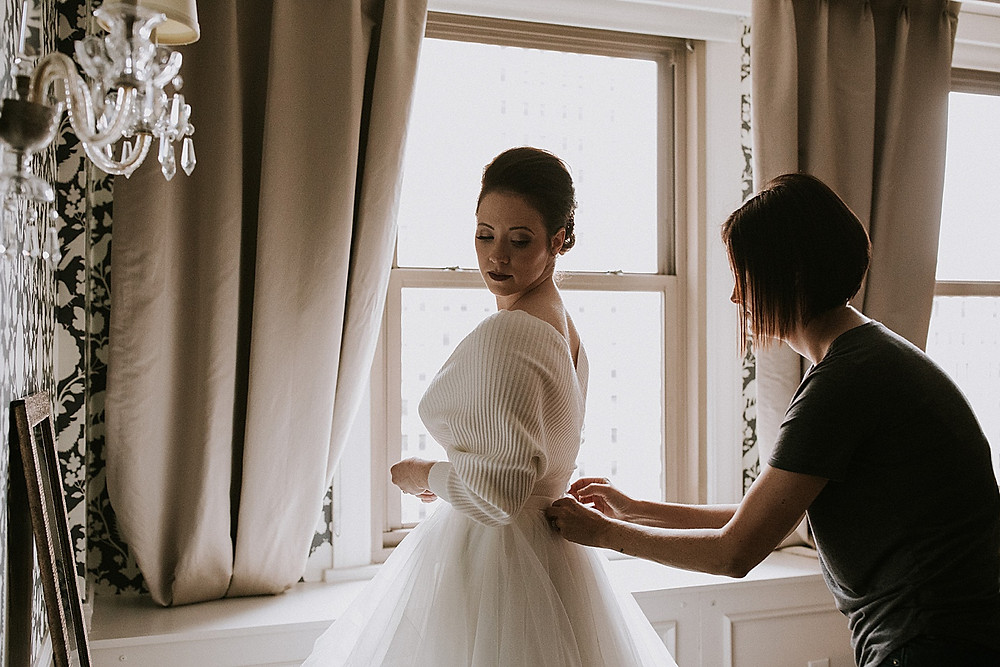 Bride getting ready before wedding at the Omni William Penn Hotel in Pittsburgh