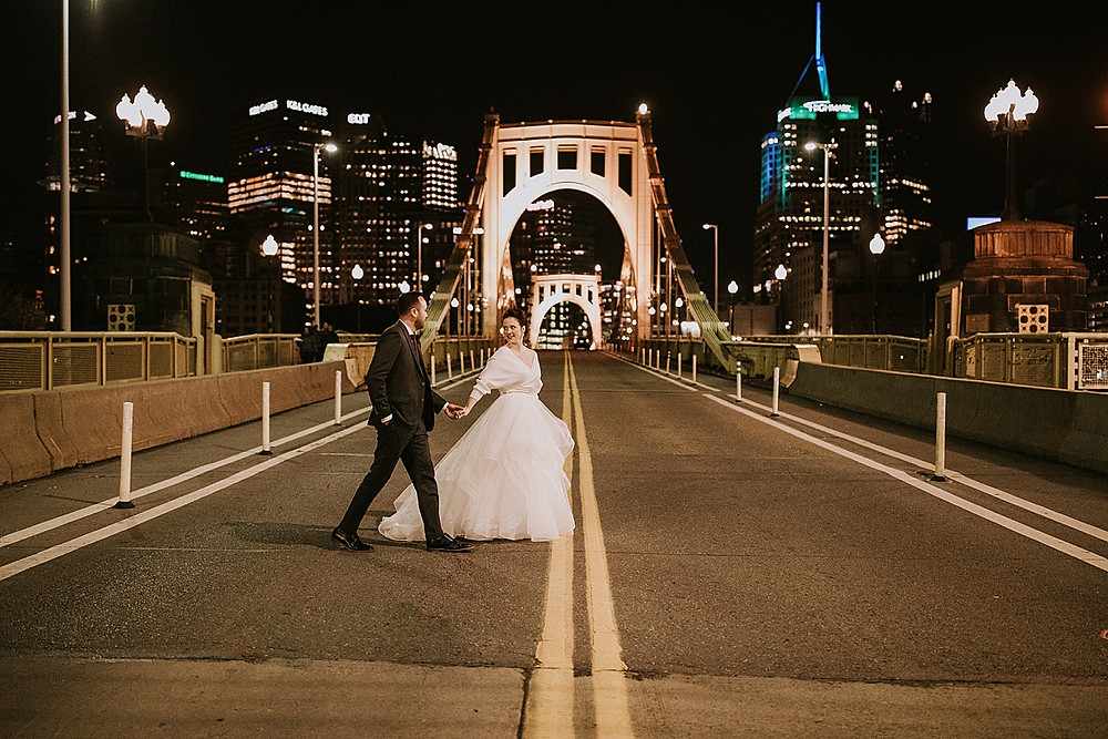 Pittsburgh skyline wedding photos