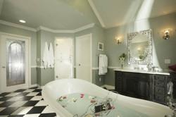 Free standing soaker tub
