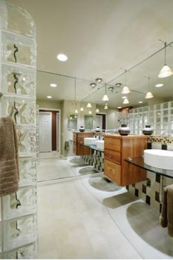 Pendant lighting in bathroom