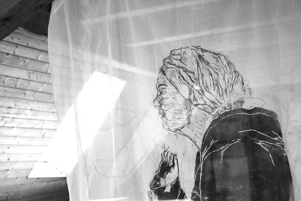 Frau am Fenster (2014)
