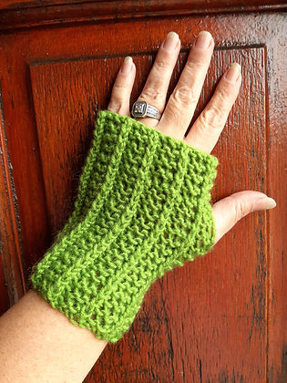 Unisex Handmade Green Fingerless Gloves