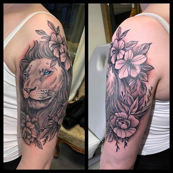 Løve med blomster by Tine.JPG