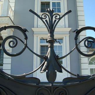 Элемент кованых ворот
