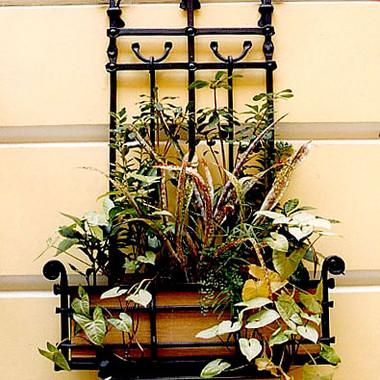 Кованая цветочница в Санкт-Петербурге
