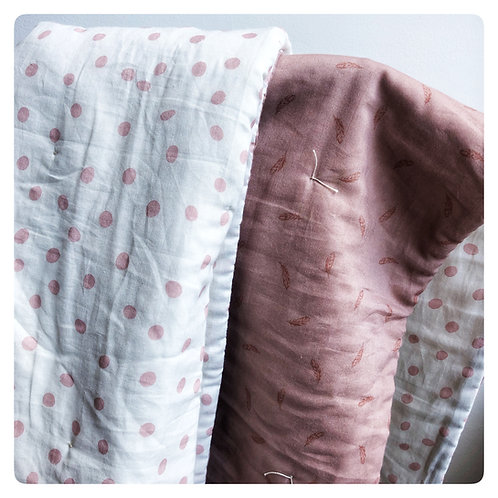 Muslin Quilt -Dot and Feather