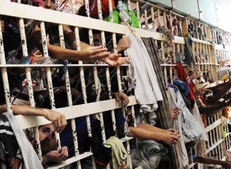 Há 726.712 pessoas presas no Brasil