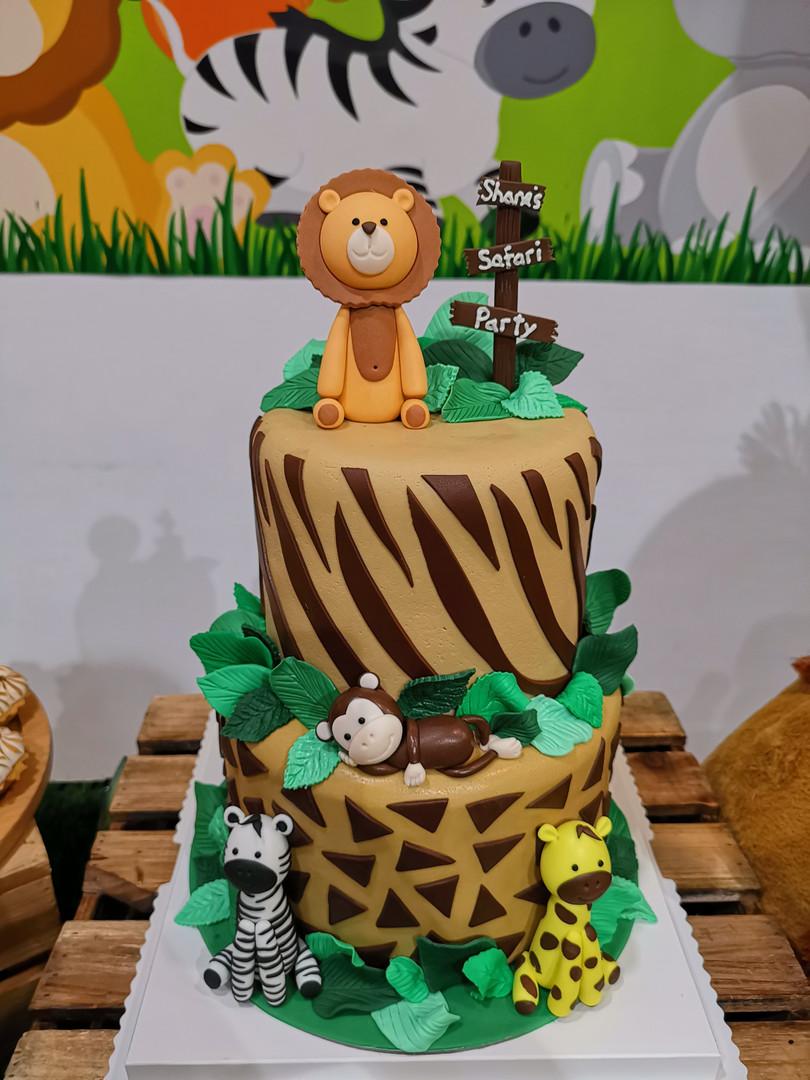 2-tier safari fondant cake.jpg