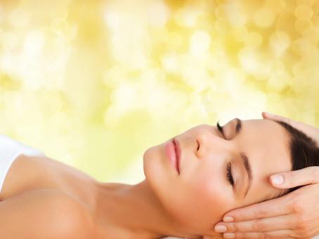 Go for Gold: Luxuriöse Gold-Treatments und kostbare Pflege-Produkte von ESENSA MEDITERANA