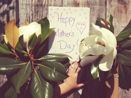 Muttertag am 9. Mai: Über diese Beauty-Geschenke freut sich jede Mama