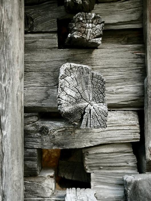 hout huisjes muur.jpg