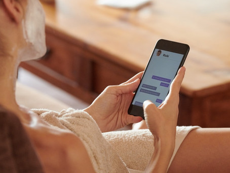 Is Stalking People On Dating Apps Healthy? Relationship Experts Debate