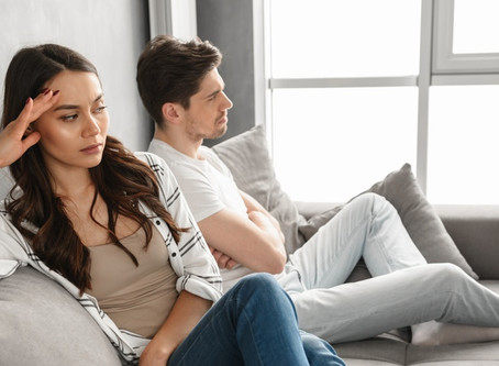 7 Pieces Of Old-Fashioned Advice That Are Actually Hurting Your Relationship